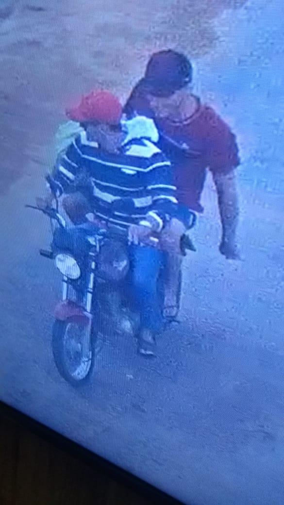 Dupla em moto assalta loja de celulares em São Miguel