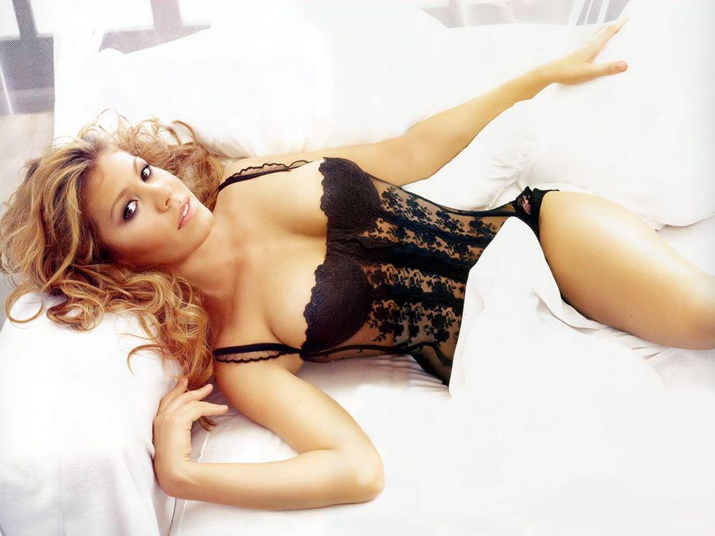 Nikki Cox Photos Sexy