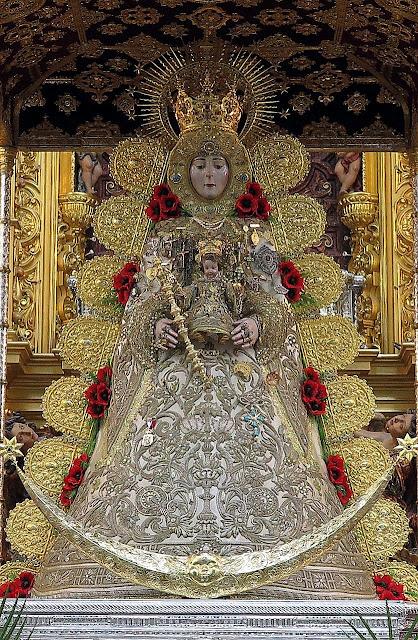 Virgen del Rocío en Almonte (Huelva).