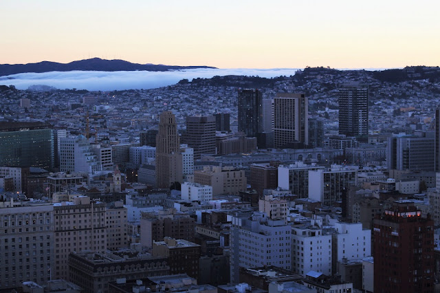 Fog rolling in, San Francisco - California travel blog