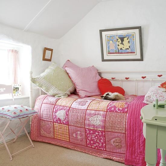 Ágytakaró mindig rendezettséget kölcsönöz a szobának. Így nem kell eltenni  az ágyneműt 58ef2185e3