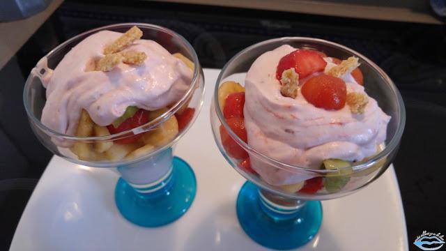 Macedonia con crema de fresas