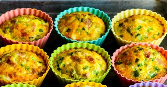 ... ®: Low-Carb Egg Muffins with Ham, Cheese, and Green Bell Pepper