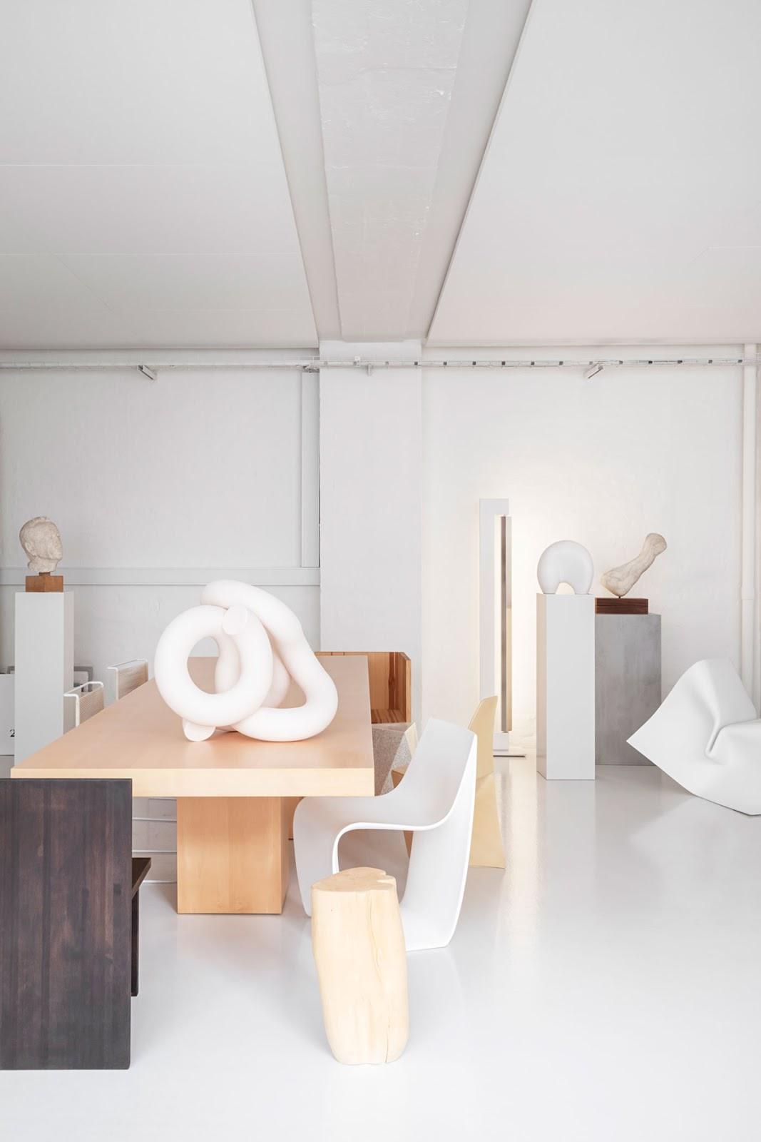 Arte, formas y mezcla de materiales en el estudio creativo de Homework