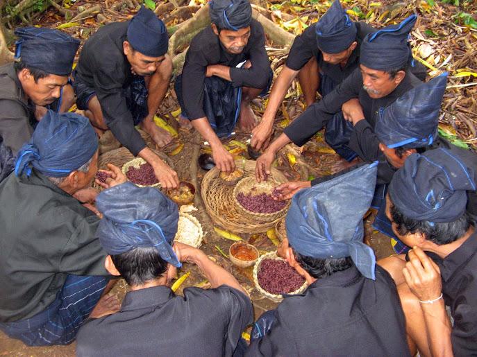 upacara adat suku kajang