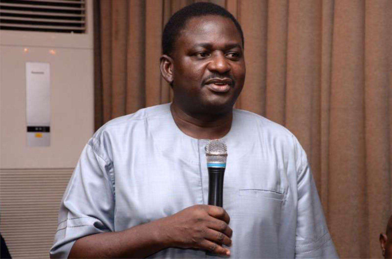 Nigerians react to Buhari-Adesina call