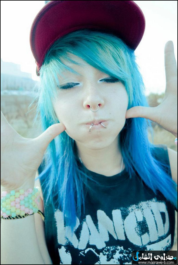 Pretty Girls With Blue Hair اجمل صور...