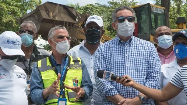 """Ayuntamiento y Propeep inician operativo """"Ruta de la Limpieza en Santo Domingo Este"""""""
