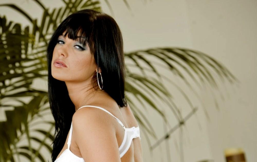 Sadie West Nude 8
