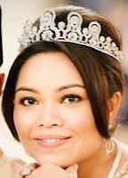 diamond tiara pahang malaysia sultanah queen kalsom tunku princess kaiyisah