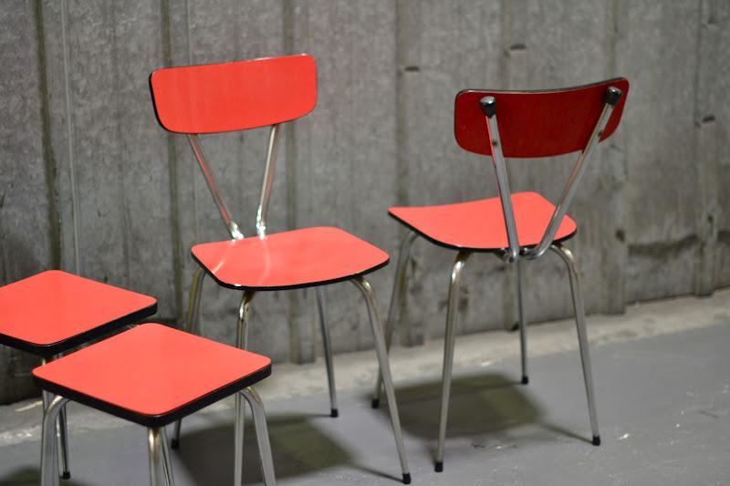 past present chaises en formica rose. Black Bedroom Furniture Sets. Home Design Ideas