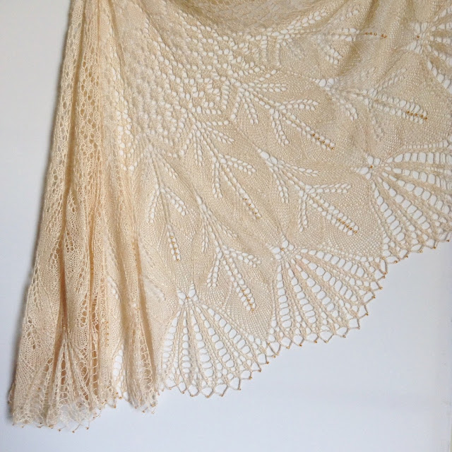 RosaFlora wedding shawl
