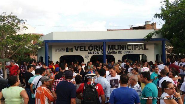 Corpo do radialista Agnaldo Silva é velado e sepultado em Santa Cruz do Capibaribe