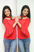 shriya sharma latest glam pics-thumbnail-6