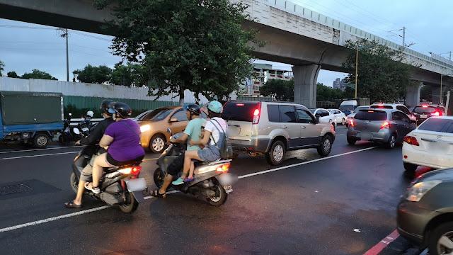 IMG 20190817 183202 - 大慶夜市今天開幕啦!人潮竟然比旱溪夜市還要塞,有些區域根本塞到走不動!