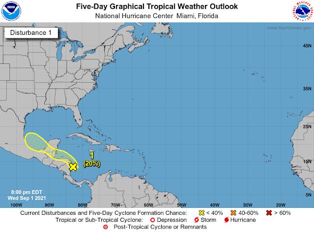 Persiste la amenaza de lluvias en la Península de Yucatán por baja presión