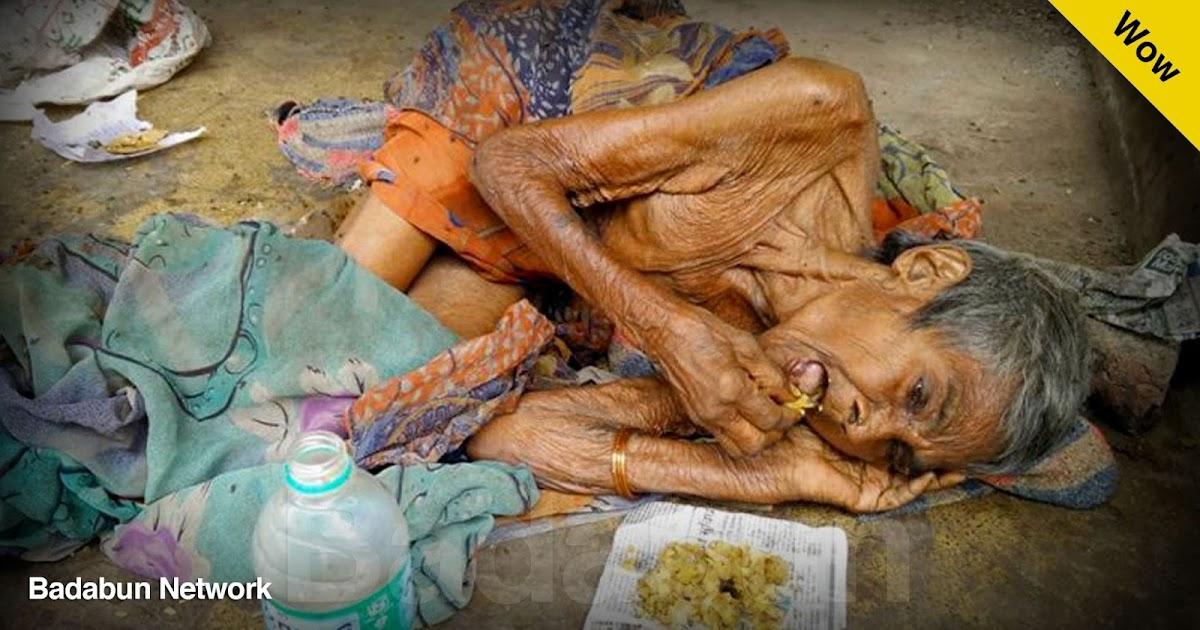 historia India anciana moribunda ayuda comunidad apoyo