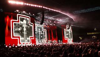 Bon Jovi en vivo en el Estadio de Wembley.