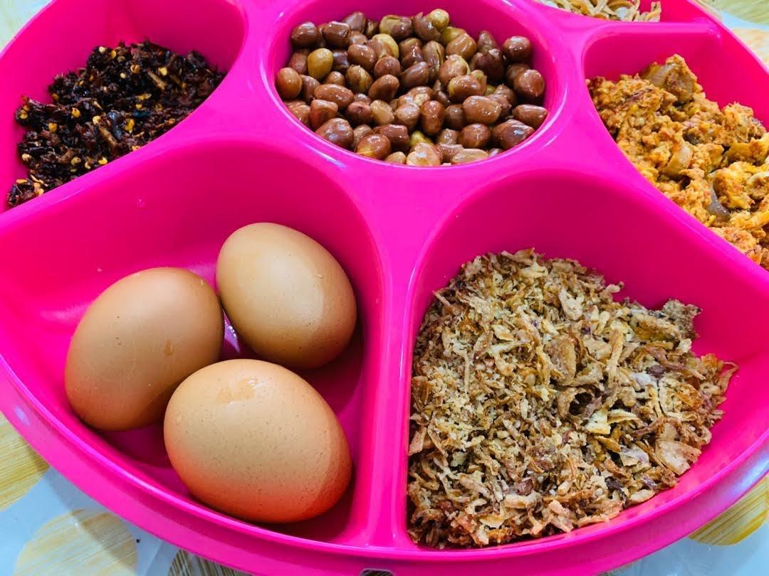 Bubur Nasi Sedap Yang Mudah Dengan Aneka Sambal Dan Lauk Pilihan Yang Enak - Blog Cik Matahariku