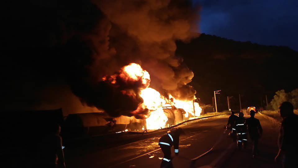 Armēnija sadeg vilciens ar benzīna cisternām