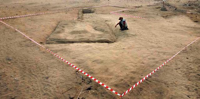 En Égypte, des archéologues découvrent une cité vieille de 7 000 ans ! Par Axel Leclercq                               Abydos%2Bpredynastic%2Bcemetery%2Bby%2BLuxor%2BTimes%2B3