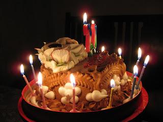 Lựa chọn bánh sinh nhật đẹp tặng bạn theo sở thích