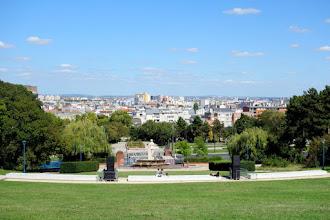 Paris : Parc de la Butte du Chapeau Rouge, petit frère méconnu du parc des Buttes Chaumont - XIXème