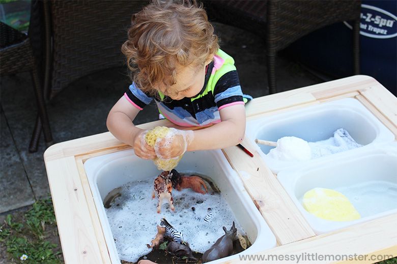 animal water sensory play