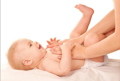 Cara Aman Dan Mudah Mengatasi Perut Kembung Pada Bayi