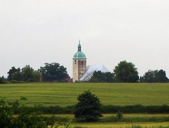 Kościół pw. św. Marcina z XVI/XVII wieku w Ratnowicach.