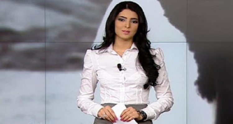 أغرب موقف تتعرض له مذيعة مصرية على الهواء متصل يقول لها هموت وأتجوزك على الهواء