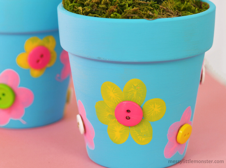 Gifts kids can make mom for Mother's Day fingerprint flowerpot