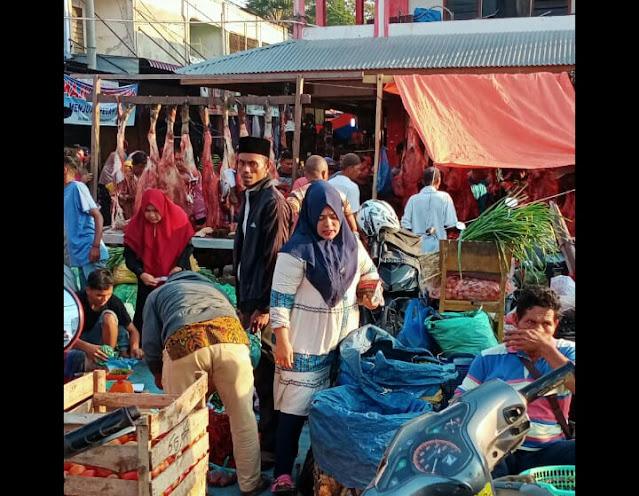 Harga Daging di Pasar LungPutu Pidie Jaya Rp.180.00 Perkilogram