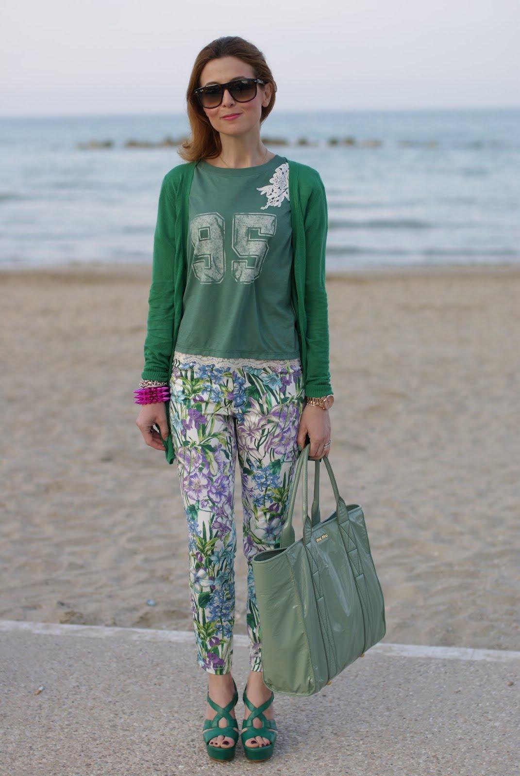 a5552654ccfe Zara floral pants