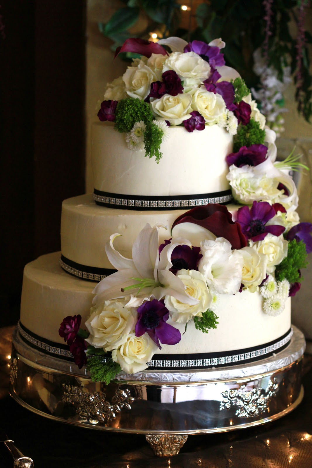 3 Tier Wedding Cake With Fresh Flowers