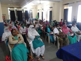 कोविड-19 टीकाकरण के लिये स्वास्थ्य कार्यकर्ताओं का हुआ प्रशिक्षण