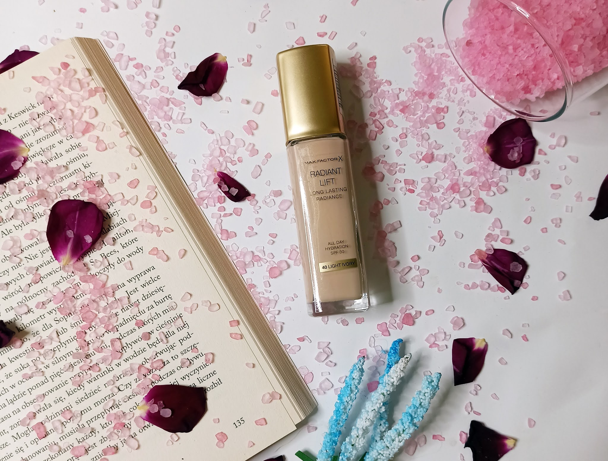 Podkład od Max Factor Radiant Lift Long Lasting Radiance - opinia