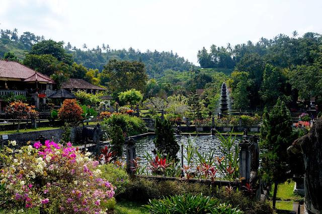 Temple de Tirta Gangga à Bali en Indonésie