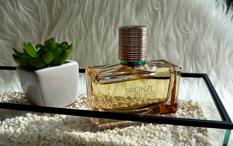 Bronze Goddess Eau de parfum 2019 Estee Lauder - powiew lata zamknięty w butelce perfum