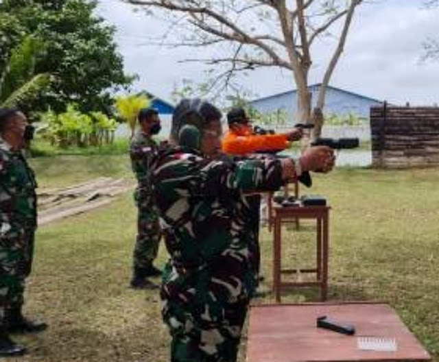 Lanud J.A Dimara Gelar Latihan Menembak di Tengah Pandemi Covid-19.lelemuku.com.jpg