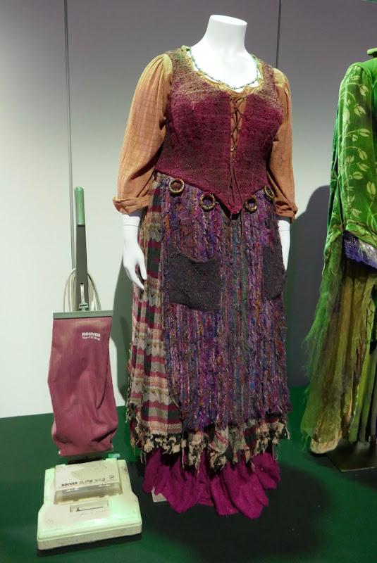 Kathy Najimy Hocus Pocus Mary Sanderson costume vacuum