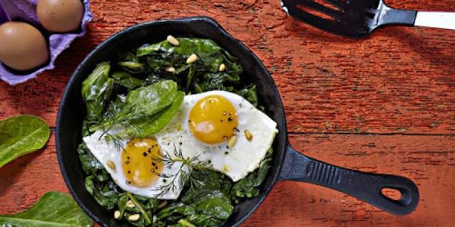 Jaja i špinat sadrže najviše vitamina K