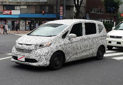 2016 Honda Freed MPV spyshot