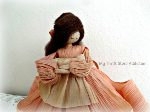 Friday's Find: Collectible Corn Husk Dolls mythriftstoreaddiction.blogspot.com Vintage Nan's Mother and Baby