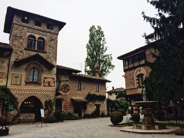 Grazzano Visconti, czyli jak przenieść się w czasie i wylądować w średniowieczu