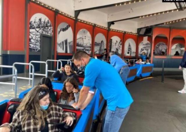 Taman-Taman Hiburan di Amerika Serikat Kesulitan Cari Pegawai