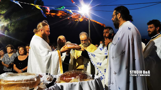 Η γιορτή των Αγίων Πάντων στην ιστορική εκκλησία σπηλιά του Ναυπλίου