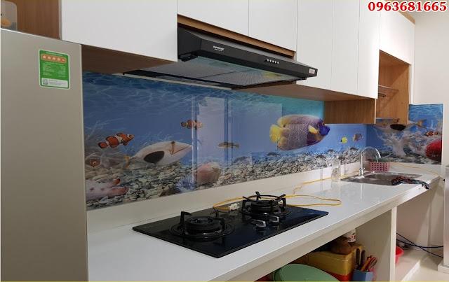 Giá tranh kính 3D ốp bếp
