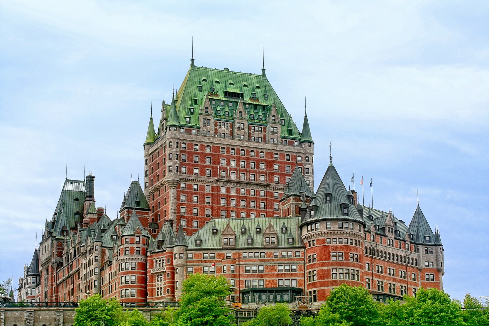 Immigration threatens european style architecture in canada for Architecture quebec