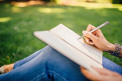 Manfaatkan Hobi Menulis Anda Sebagai Peluang Karier